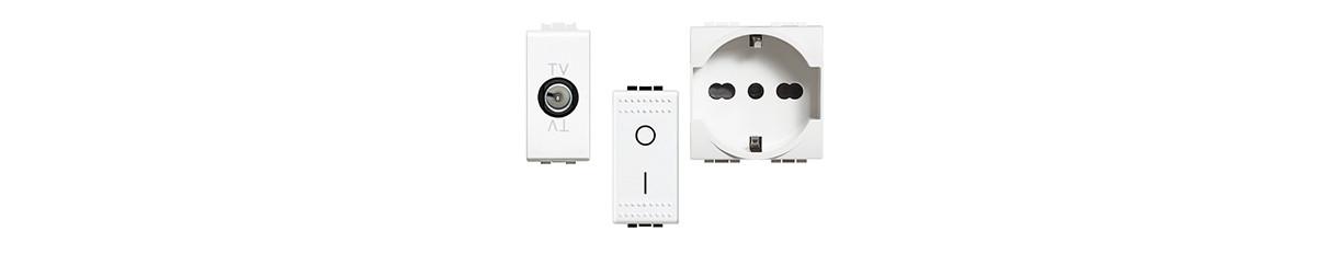 Weiße Platten Living Light elektrische bTicino